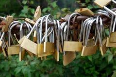 Κλειδαριές της αγάπης - σύμβολο για τη συνεχή φιλία Στοκ φωτογραφία με δικαίωμα ελεύθερης χρήσης