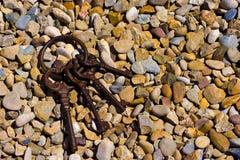 Κλειδιά στις πέτρες στοκ φωτογραφία με δικαίωμα ελεύθερης χρήσης