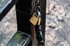 κλειδώματα δύο στοκ φωτογραφίες με δικαίωμα ελεύθερης χρήσης