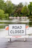 κλειστή πλημμυρισμένη οδ&io Στοκ φωτογραφίες με δικαίωμα ελεύθερης χρήσης