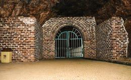 Κλειστή πύλη μέσα στο ορυχείο Khewra στοκ φωτογραφία με δικαίωμα ελεύθερης χρήσης