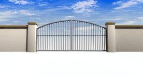 Κλειστοί πύλες και τοίχος Στοκ εικόνα με δικαίωμα ελεύθερης χρήσης