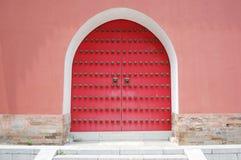 κλειστός τοίχος πορτών Στοκ φωτογραφία με δικαίωμα ελεύθερης χρήσης