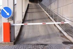 κλειστός χώρος στάθμευσ Στοκ Φωτογραφία
