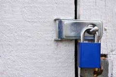 Κλειστό και κλειδωμένο λουκέτο κοντά επάνω Στοκ Φωτογραφίες