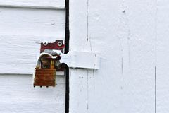 Κλειστό και κλειδωμένο λουκέτο κοντά επάνω Στοκ Φωτογραφία