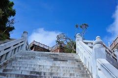 Κλιμακοστάσιο στον ουρανό στο βουνό Fansipan στοκ φωτογραφία