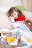 κλινικό χέρι πυρετού που &epsil Στοκ εικόνες με δικαίωμα ελεύθερης χρήσης