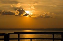 Κοίταγμα βαρκών ηλιοβασιλέματος λιμνών Στοκ φωτογραφία με δικαίωμα ελεύθερης χρήσης