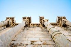 Κοίταγμα επάνω στην άποψη των διάσημων στυλοβατών ναών στην Ελλάδα Στοκ φωτογραφίες με δικαίωμα ελεύθερης χρήσης