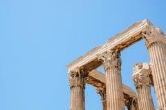 Κοίταγμα επάνω στην άποψη των διάσημων στυλοβατών ναών Zeus στην Ελλάδα Στοκ Φωτογραφία