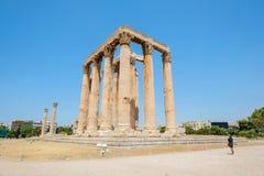 Κοίταγμα επάνω στην άποψη των διάσημων στυλοβατών ναών Zeus στην Ελλάδα Στοκ Εικόνες