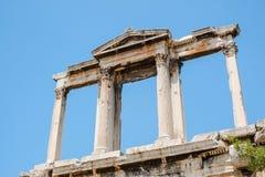 Κοίταγμα επάνω στην άποψη των διάσημων στυλοβατών ναών Zeus στην Ελλάδα Στοκ Φωτογραφίες