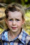 κοίταγμα κοριτσιών Στοκ Φωτογραφίες