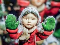 Κοίταγμα μέσω του παραθύρου για τα Χριστούγεννα Στοκ Φωτογραφίες