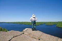 κοίταγμα πέρα από την αγριότη Στοκ εικόνες με δικαίωμα ελεύθερης χρήσης
