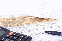 Κοίλωμα φορολογικής δήλωσης Στοκ εικόνα με δικαίωμα ελεύθερης χρήσης