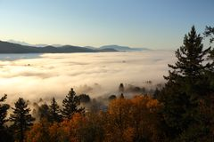 κοιλάδα ομίχλης Βρετανι& Στοκ Εικόνα