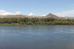 Κοιλάδα ποταμών Yenisei, νότια Σιβηρία Δημοκρατία της Τουβά Τοπίο φθινοπώρου στοκ φωτογραφίες με δικαίωμα ελεύθερης χρήσης