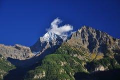 Κοιλάδα Aosta, Ιταλία. Αιχμές βουνών Στοκ Εικόνες