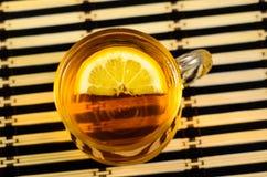 κοιλάνετε το τσάι λεμονιών Στοκ Φωτογραφίες