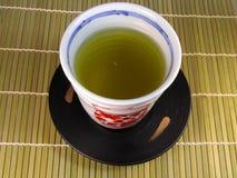 κοιλάνετε το τσάι στοκ εικόνα με δικαίωμα ελεύθερης χρήσης