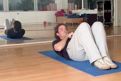 κοιλιακές ασκήσεις Στοκ φωτογραφία με δικαίωμα ελεύθερης χρήσης