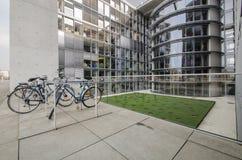 Κοινοβουλευτικό κτίριο γραφείων του Paul Loebe Haus στο Βερολίνο με το βισμούθιο Στοκ Εικόνες