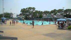 Κοινοτική πισίνα (1 5) απόθεμα βίντεο
