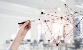 Κοινωνικές επικοινωνία και δικτύωση ως έννοια για το ηλεκτρονικό εμπόριο στοκ εικόνα