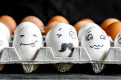 Κοινωνικές επικοινωνία και συγκινήσεις δικτύων έννοιας - τα αυγά κλείνουν το μάτι Στοκ Φωτογραφία