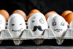 Κοινωνικές επικοινωνία και συγκινήσεις δικτύων έννοιας - τα αυγά κλείνουν το μάτι Στοκ Εικόνα