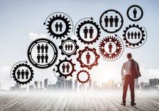 Κοινωνική έννοια σύνδεσης που επισύρεται την προσοχή στην οθόνη ως σύμβολο για την ομαδική εργασία Στοκ Εικόνες