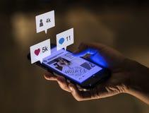 Κοινωνική τεχνολογία έννοιας μέσων Smartphone Στοκ εικόνες με δικαίωμα ελεύθερης χρήσης