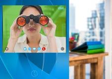 Κοινωνική τηλεοπτική App συνομιλίας διεπαφή με τις διόπτρες εκμετάλλευσης γυναικών Στοκ εικόνες με δικαίωμα ελεύθερης χρήσης