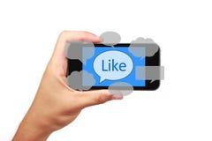 Κοινωνικό έξυπνο τηλέφωνο έννοιας μέσων με το χέρι Στοκ Φωτογραφίες