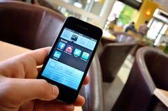 Κοινωνικό app για τις συσκευές smartphone Στοκ φωτογραφία με δικαίωμα ελεύθερης χρήσης