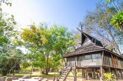 Κοινό ταϊλανδικό ύφος σπιτιών lanna architech στην Ταϊλάνδη Στοκ Εικόνα