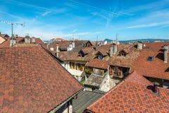 Κοιτάζοντας έξω πέρα από τις στέγες του Annecy, Γαλλία Στοκ Εικόνα