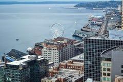 Κοιτάζοντας πέρα από τον ήχο Puget από τη γέφυρα παρατήρησης πύργων Smith, Σιάτλ, Ουάσιγκτον Στοκ φωτογραφία με δικαίωμα ελεύθερης χρήσης