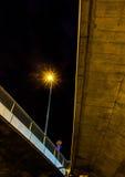 Κοιτάξτε κάτω από το οδόστρωμα Στοκ φωτογραφίες με δικαίωμα ελεύθερης χρήσης
