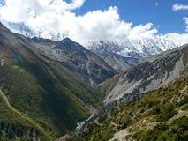 Κοιλάδα ποταμών Marsyangdi και αιχμή Tilicho, Νεπάλ Στοκ εικόνα με δικαίωμα ελεύθερης χρήσης