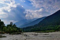 Κοιλάδα ποταμών Sindhu κατά τη διάρκεια του πρωινού κοντά σε Sonmarg Κασμίρ Στοκ Εικόνες