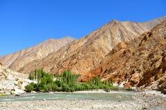 Κοιλάδα Indus σε Ladakh, Ινδία Στοκ Φωτογραφίες