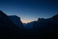 Κοιλάδα Yosemite τή νύχτα Στοκ Φωτογραφία