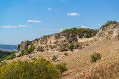Κοιλαμένος από το βράχο στη νότια πύλη του μεσαιωνικού πόλη-φρουρίου chufut-Kale Bakhchysaray, Κριμαία στοκ φωτογραφίες