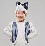 Κοκκινομάλλες κορίτσι σε ένα κοστούμι των γέλιων λύκων Στοκ φωτογραφία με δικαίωμα ελεύθερης χρήσης