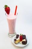 Κοκτέιλ και επιδόρπιο φραουλών Στοκ Εικόνα