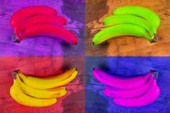 Κολάζ σύγχρονης τέχνης Έννοια χρώματος μπανάνα σε ξύλινο στα διαφορετικά χρώματα Τολμήστε να είστε διαφορετικός και προσωπικότητα στοκ φωτογραφία