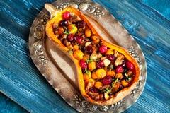 Κολοκύθα που γεμίζεται με το κρέας και τα λαχανικά στοκ εικόνα με δικαίωμα ελεύθερης χρήσης